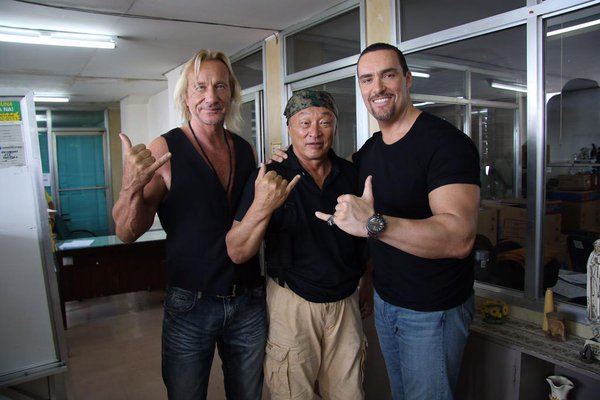 Matthias Hues, Cary-Hiroyuki Tagawa and Alexander Nevsky during the filming of Showdown in Manila (2016)